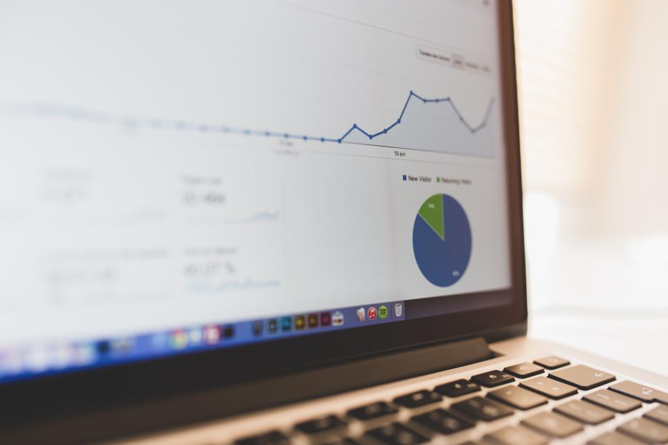 パソコン Google 分析 ブログ