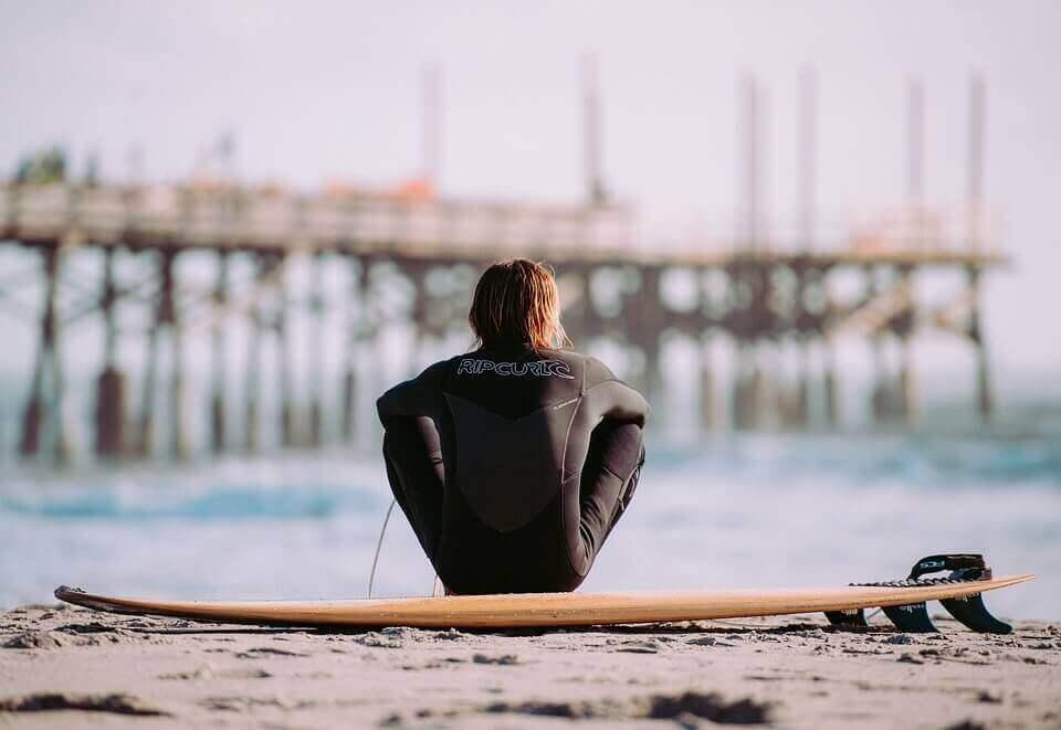 ウェットスーツ サーフィン 洗い方 メンテナンス